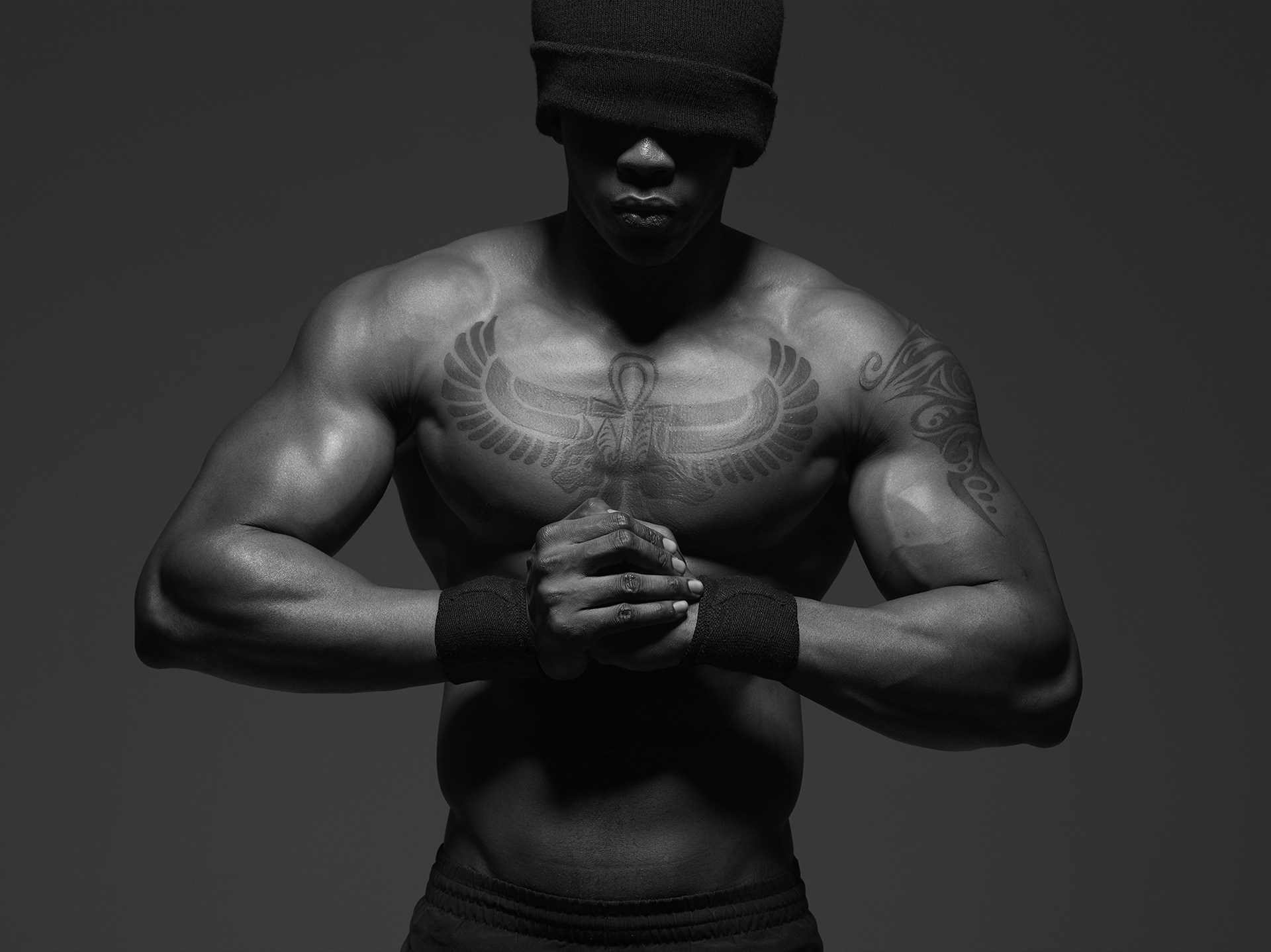 frederic mercier fashion photographer one color editorial portraits people art black and white muscle body athlete crossfit fitness urban boxing