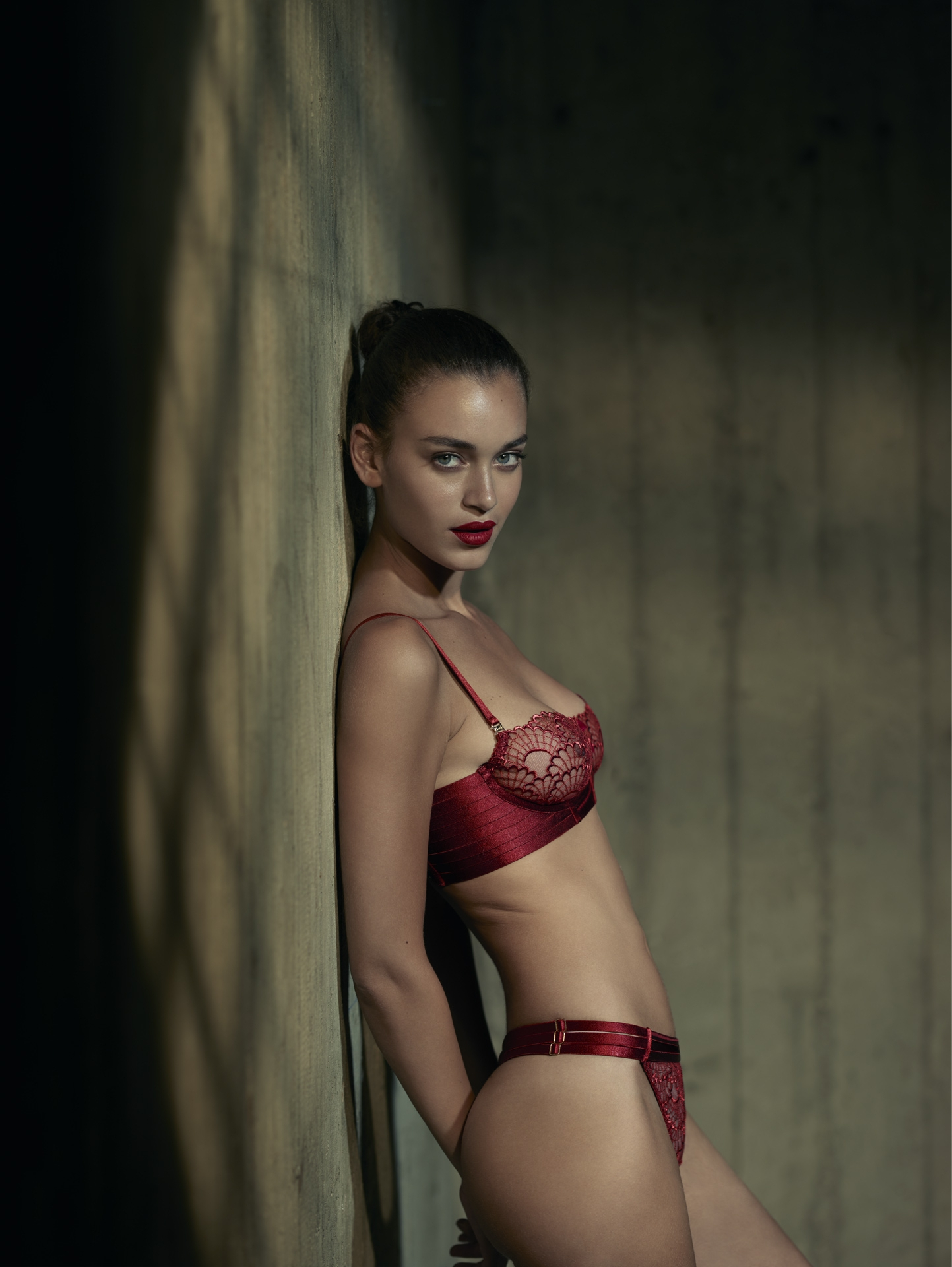 cinema movie light burn red penitentiary jail concrete bordelle lingerie frederic mercier photographer one color