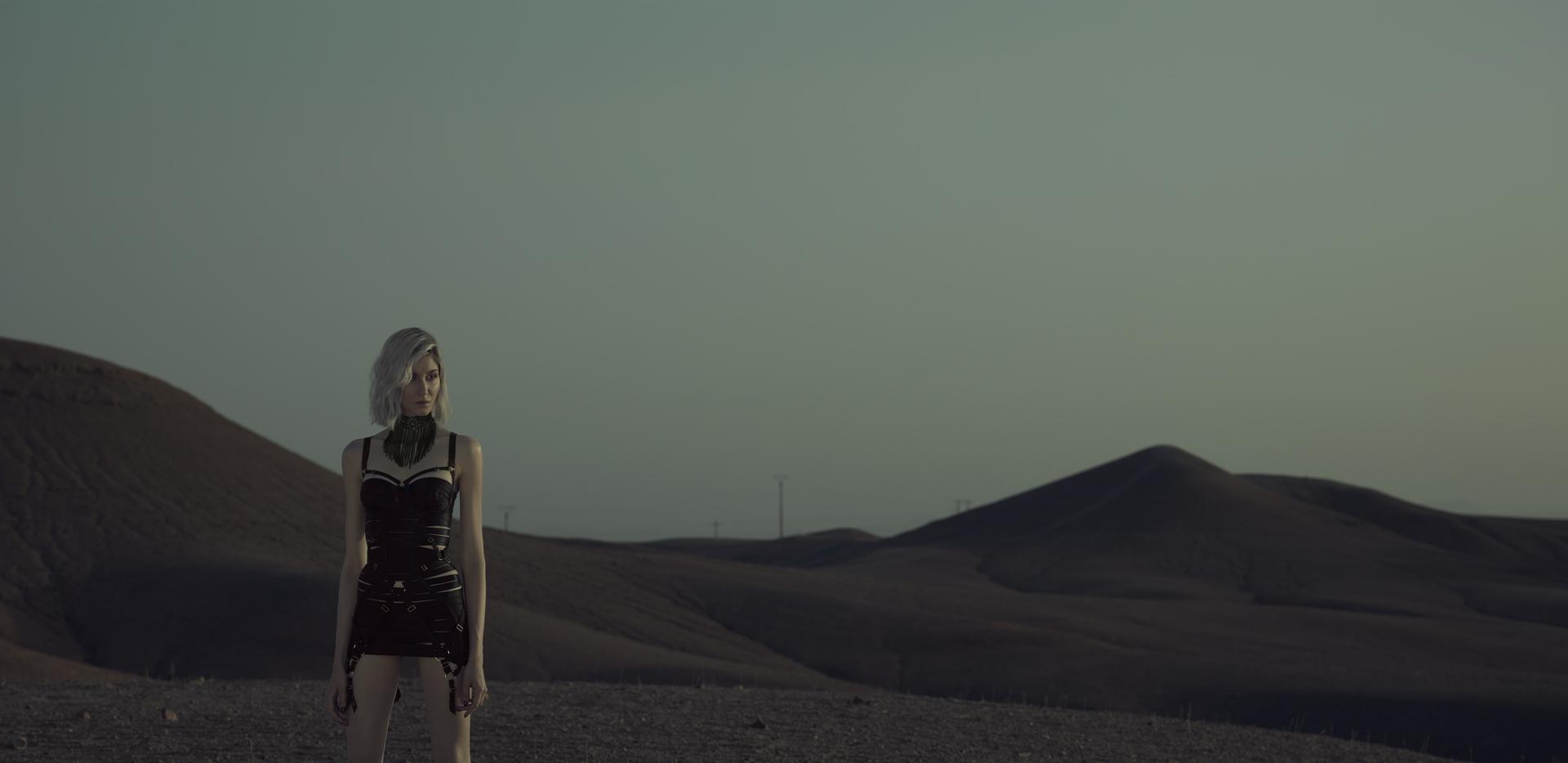 desert american wild lifestyle lingerie bordelle frederic mercier photographer one color
